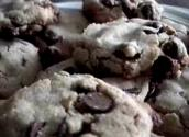 Crunchy Chocolate Chip Cookie